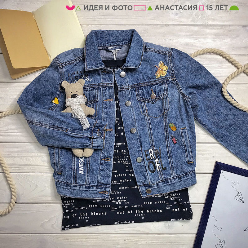Куртка джинсовая голубая с вышивкой