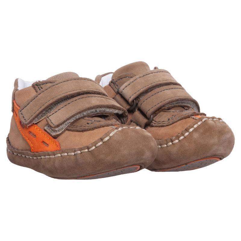 Кроссовки бежевые на липучках