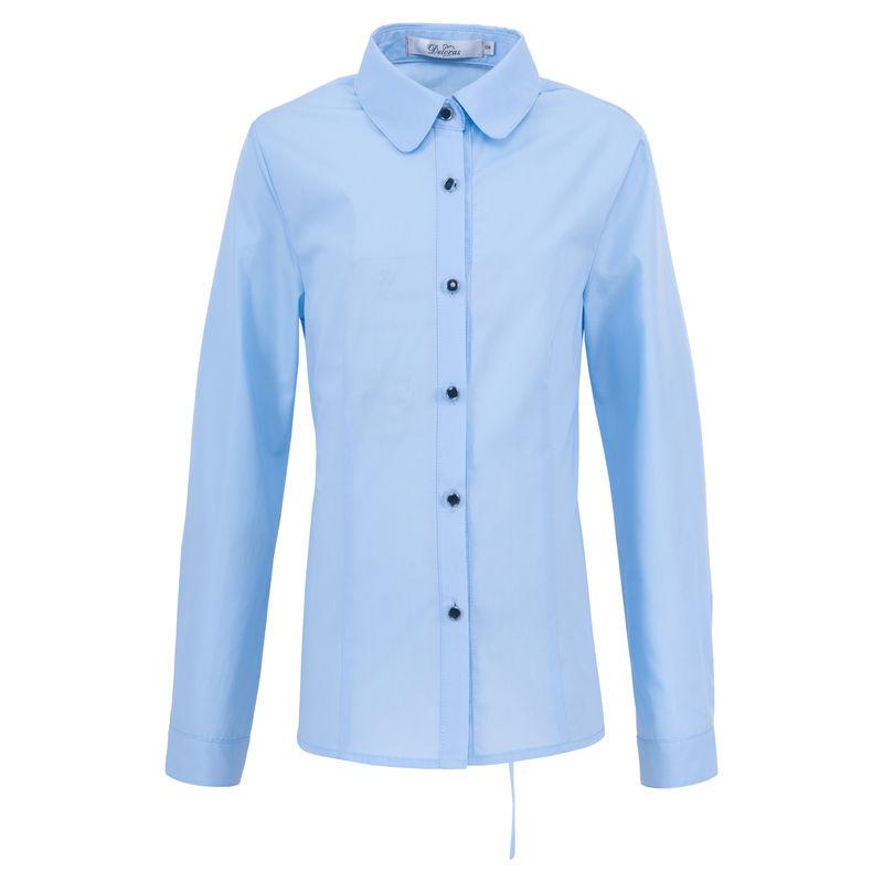 Блузка голубая с брошью
